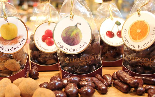 Chokladdoppade frukter och bär